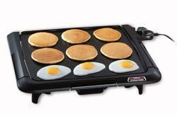 Tilt'nDrain™ cool-touch griddle