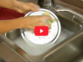 How to Clean the Presto® Electric Pressure Cooker Plus