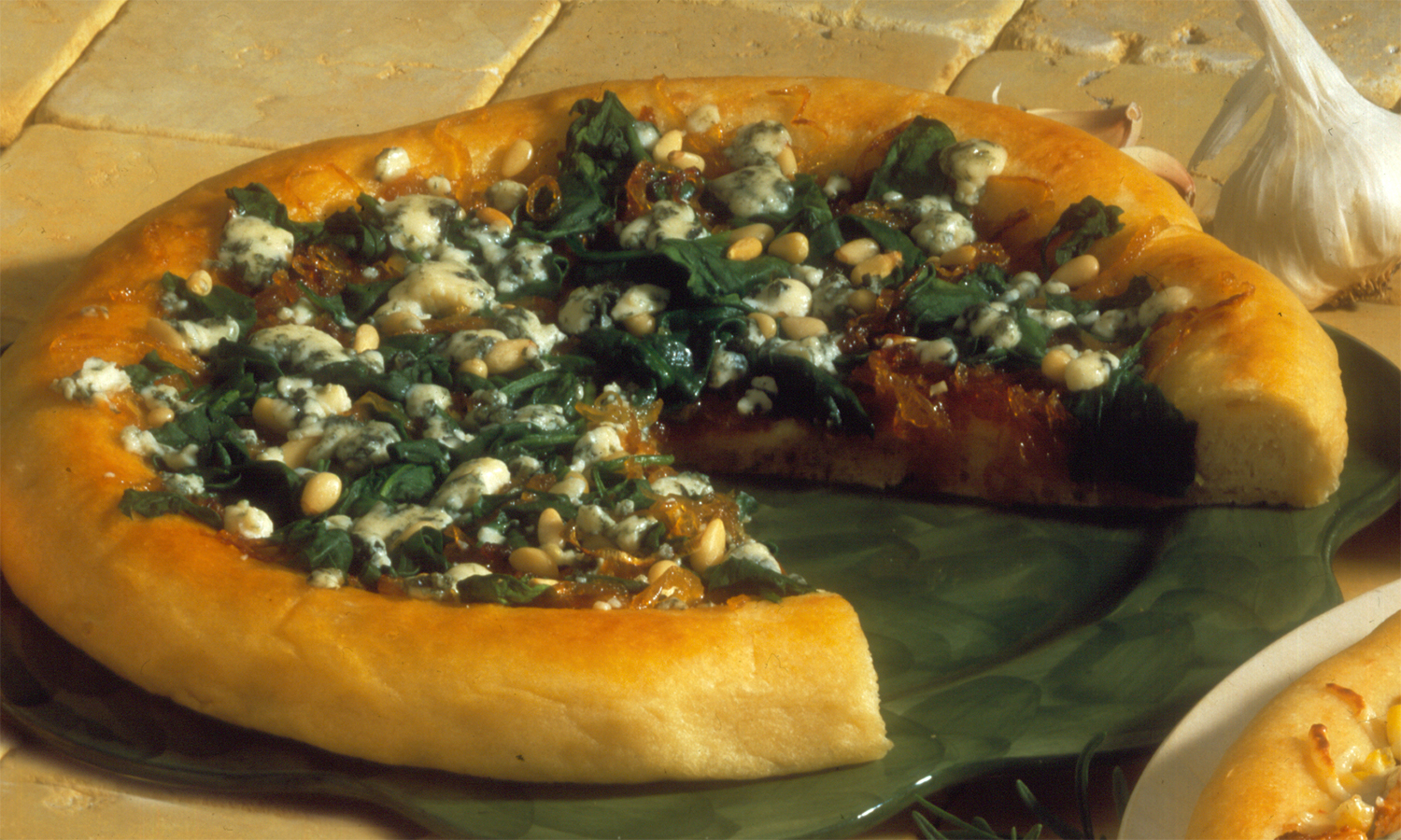 Spinach And Caramelized Onion Pizza Pizza Ovens